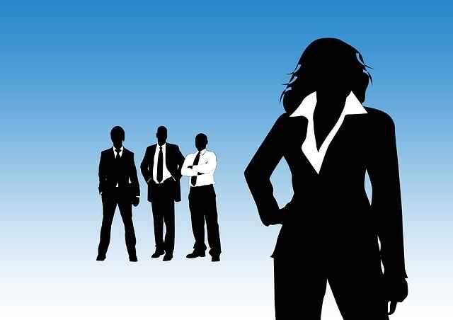 уверена жена лидер езикът на тялото на жената лидер